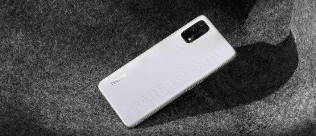 Realme Q2 series phone
