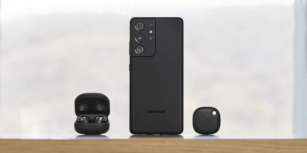 Samsung Galaxy S21 Ultra with Galaxy Buds Pro