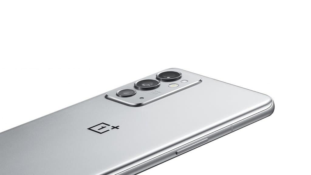 OnePlus 9RT render